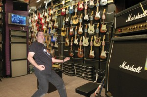 Professional Air Guitarist Hank Wilson tests out the new Fender Aircaster